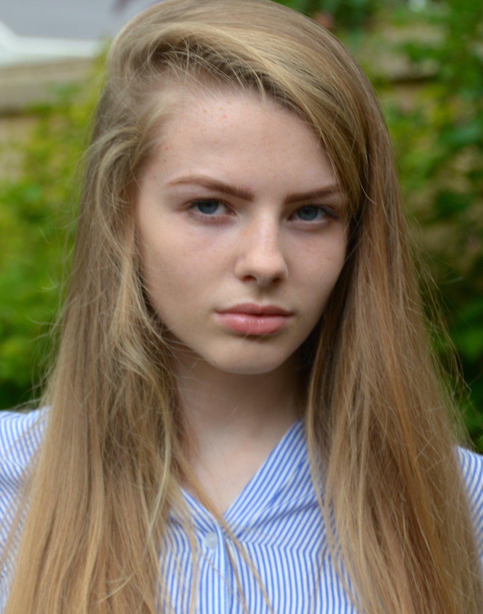 Olivia Tait Headshot