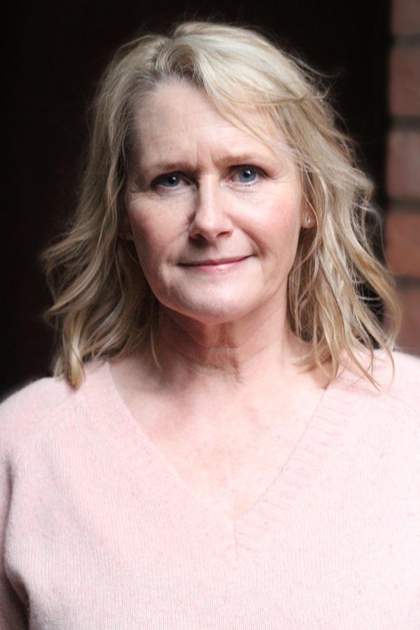 Debra Simms Headshot