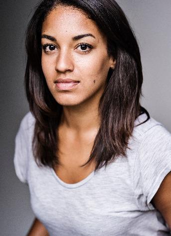 Rhianne Starbuck Headshot