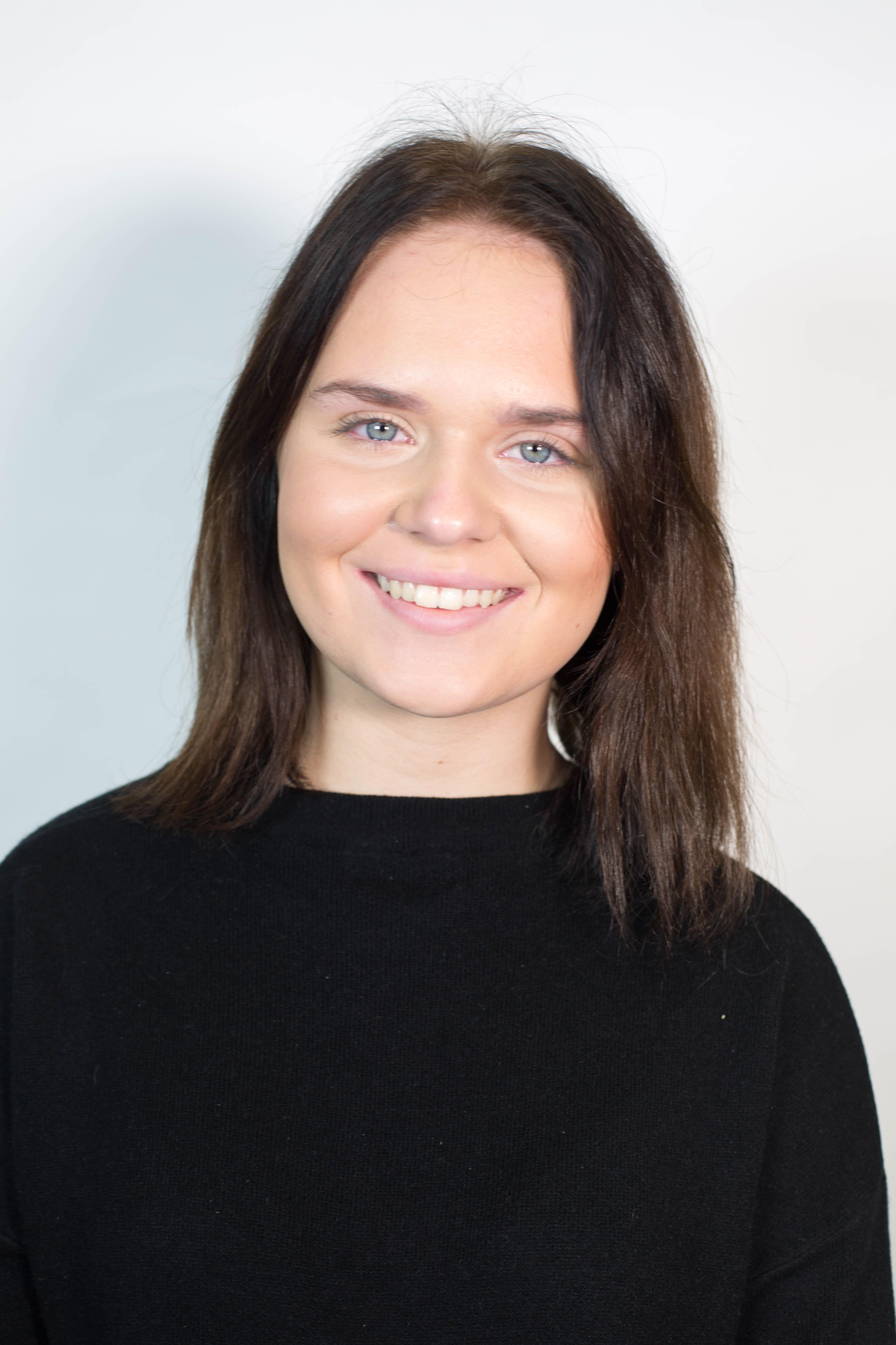 Jess Barton Headshot