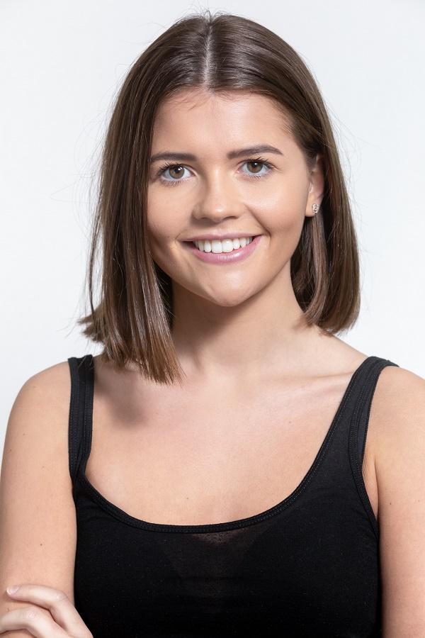 Phoebe Ruben Headshot