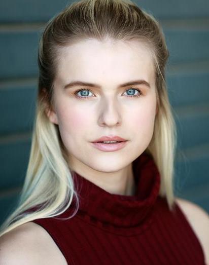 Amy Jo Clouch Headshot