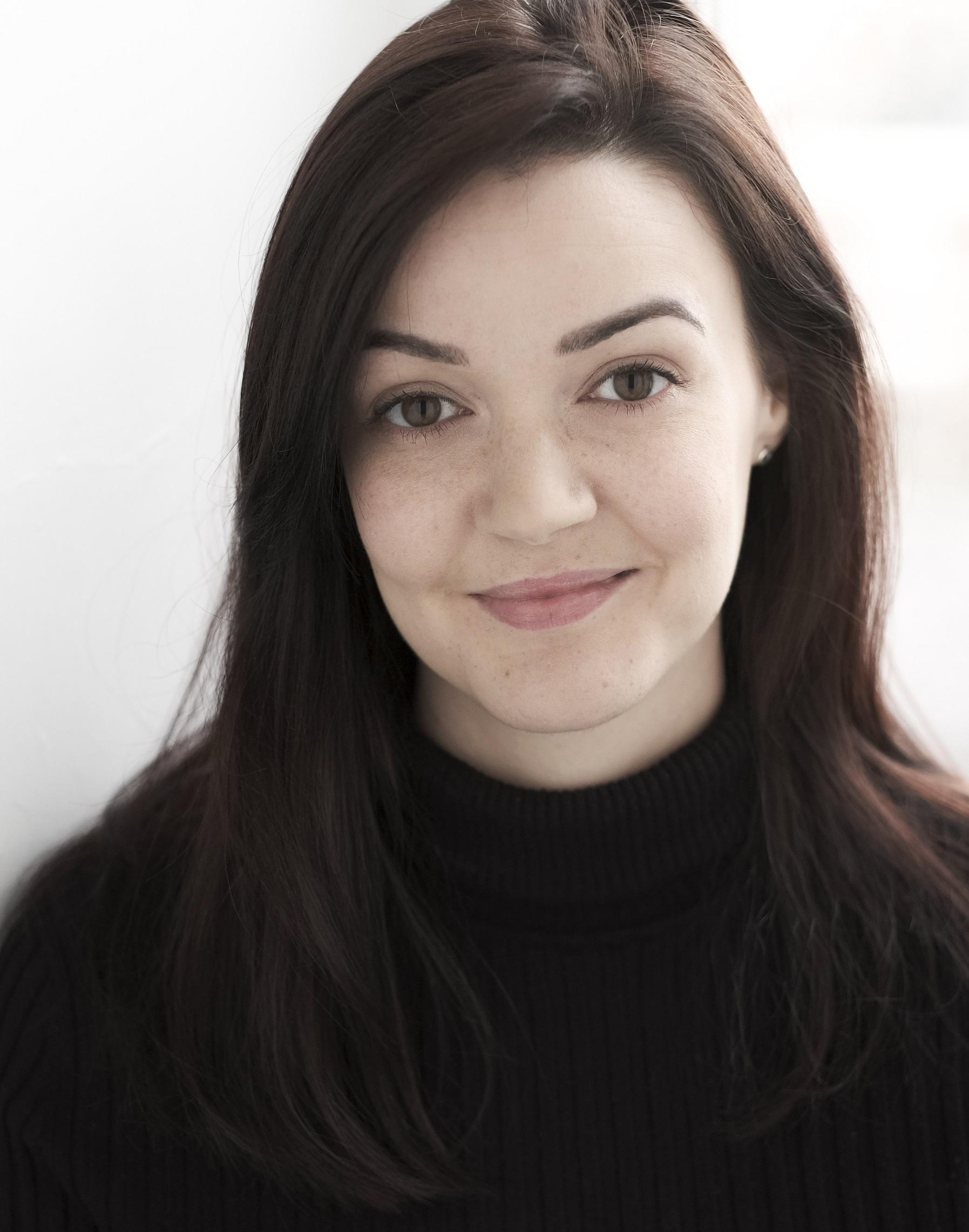 Emma Tierney Headshot