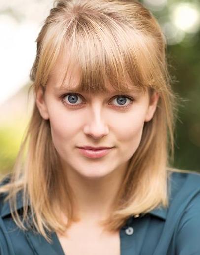 Rhiannon Kearns Headshot